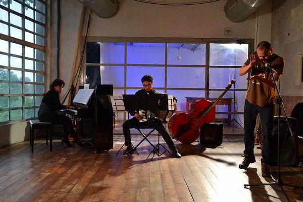 Cinzia Merlin, pianoforte Jep Meléndez, body percussion - Massimiliano Tisano, fisarmonica